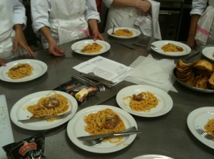 Dégustation de spaghetti à la napolitaine