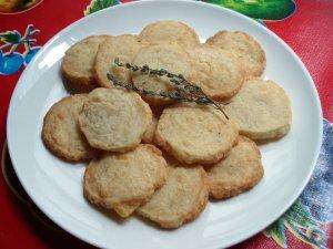 Sablés pour l'apéritif au fromage et au thym