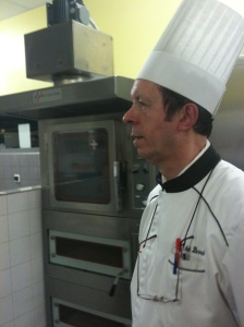 Chef Michel dans sa cuisine