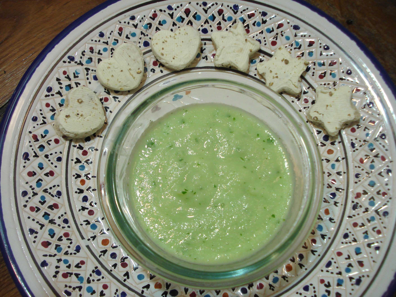 Soupe froide de concombre au philadelphia