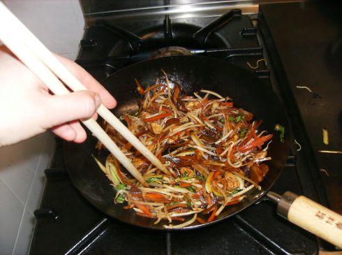 Cuisson légumes wok